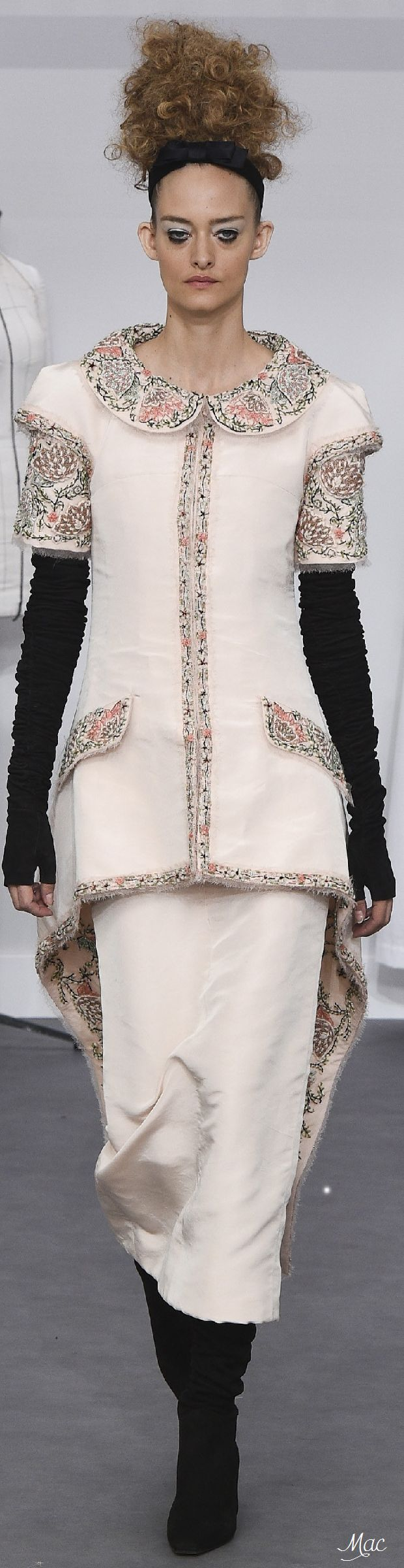 Fall 2016 Haute Couture - Chanel