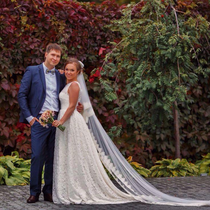 Осенняя пара!! Очень красивая и креативная пара!! Пошив свадебного платья, фаты и костюма для жениха!!!! #Челябинск #челябинскателье #ателье #наша работа #люблю свою работу #индивидуальныйпошив #blackpanter174 #осень2014 #невеста #жених #костюмжениха #свадебноеплатье #