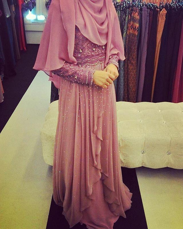 dusty purple dress suitable for muslimahfashion @dewshopcollection #tailoring #dewtailoring #shahalam #dress #pengantin #perkahwinan #nikah #hijabwedding #hijab #veil #jahitmanikbaju