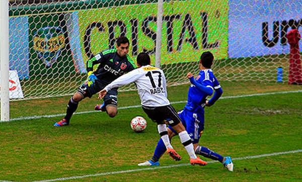 Colo Colo derrotó a la U de Chile.