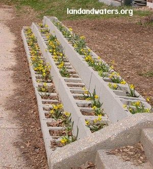 25+ DIY Cinder Block Projects for Your Home @ Momwithaprep.com   Project from Landandwaters.org