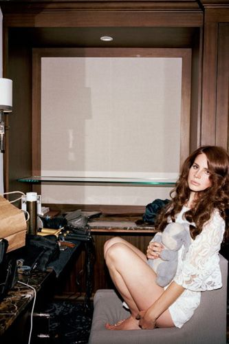 """So, these photos of Lana Del Rey are """"candid""""?"""