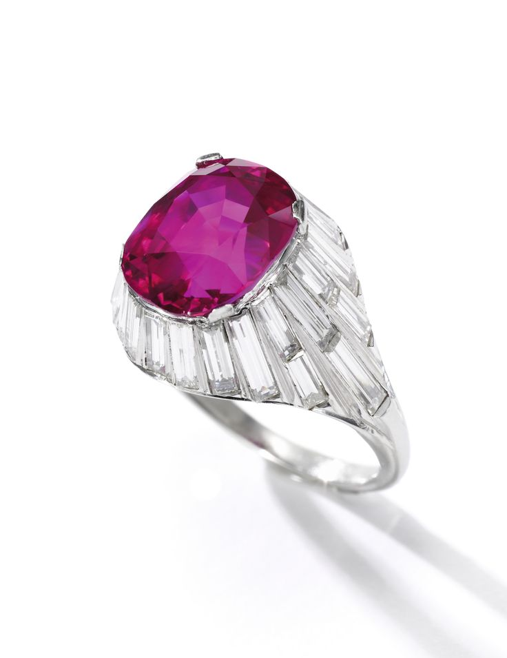 ring ||| sotheby's ge1605lot977hzen
