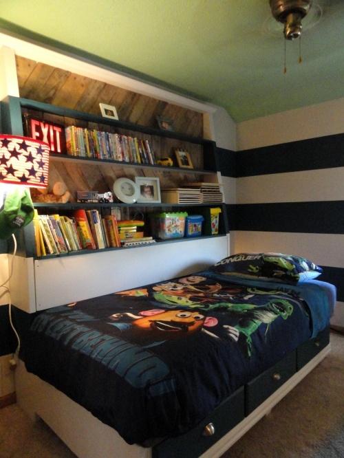 Landen's room---After