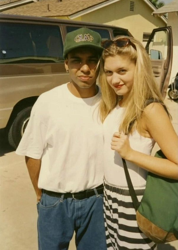 a very young gwen and tony! super cute!
