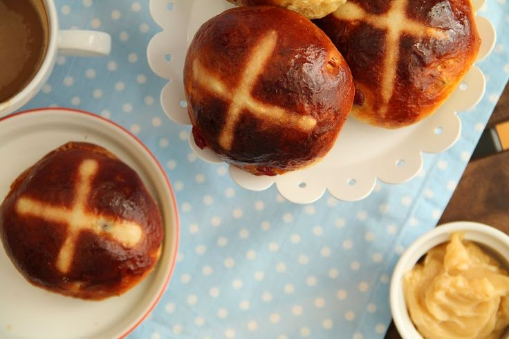 yummy muffin: Hot Cross Buns