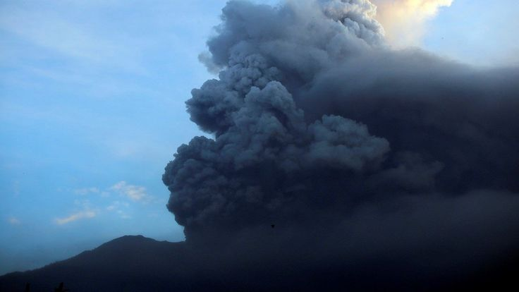 FOX NEWS: Bali volcano: Lava pools up in crater will certainly spill over to the slopes
