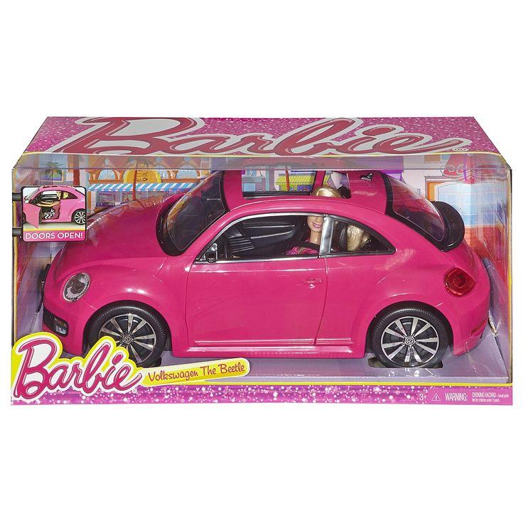 <strong>Barbie - Coche VW Beetle</strong>, un set que incluye un coche Volkswagen Beetle de color rosa y una muñeca Barbie. ¡Barbie sale a conducir por las calles de Malibú al volante de su glamuroso Volkswagen! Actualizado con un look elegante, este coche de dos puertas está decorado con detalles característicos de Volkswagen en las llantas de las ruedas y el volante, que giran. Además, este coche de color rosa y con techo panorámico, presenta el fantástico estilo de Barbie ...