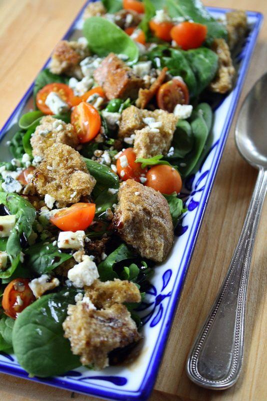 Arugula, Baby Spinach, Cherry Tomato, Gorgonzola Salad with Cretan Rusk Croutons