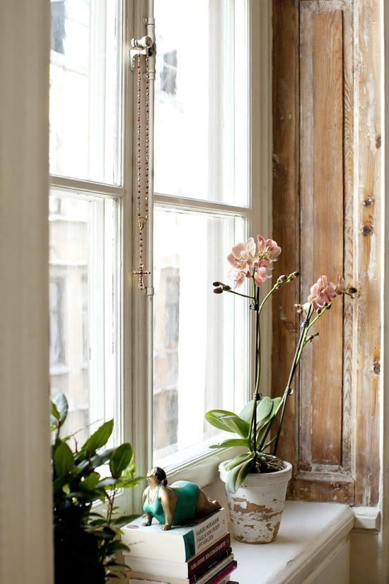 windowsill decor