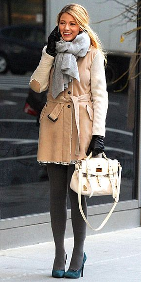 Love this cold weather outfit!Winter Style, Living Photos, Grey Tights, Winter Looks, Blake Lively, Blake Living, Winter Outfits, Winter Chic, Gossip Girls
