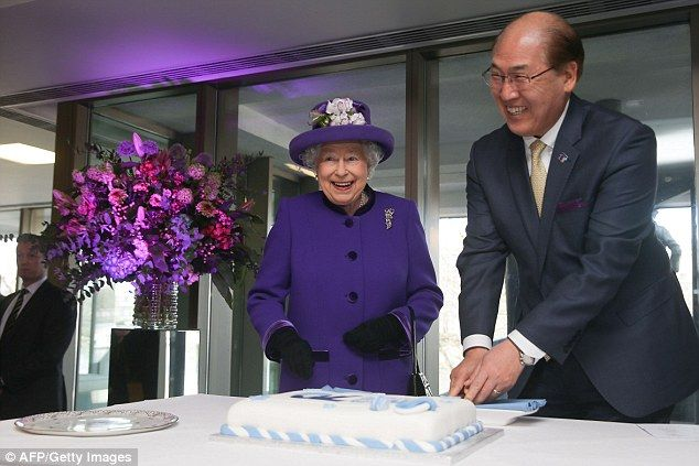The Queen wore all purple to pay a visit to the International Maritime Organisation in London, to mark its 70th anniversary. She was greeted by the Secretary General of the IMO.