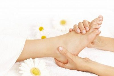 Reflexology treat your feet and help rebalance your entire body. Boost your immune system, relax and de-stress. Wonderful for female health issues, fertility, stress, insomnia, pain, IBS and a valuable aid alongside cinventional medicine for many serious illnesses.