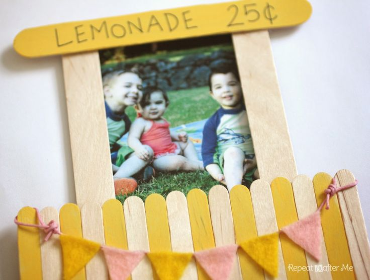 Repeat Crafter Me: Lemonade Stand Magnetic Picture Frame