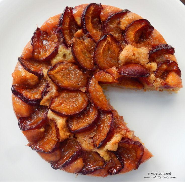 Prăjitură cu prune.  Plum cake.