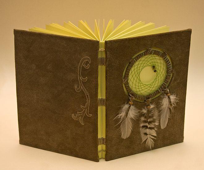 jurnal dreamcatcher (89 LEI la art3lier.breslo.ro)