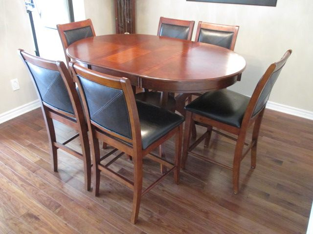 CONTESSA PLAT-FORM-PEDESTAL DINING SET Content sale from trendy Barrhaven home – 216 Serena Way, Ottawa ON. Sale will take place Saturday, April 18th 2015, from 9am to 2pm. Visit www.sellmystuffcanada.com for full sale description and photos of all available items!