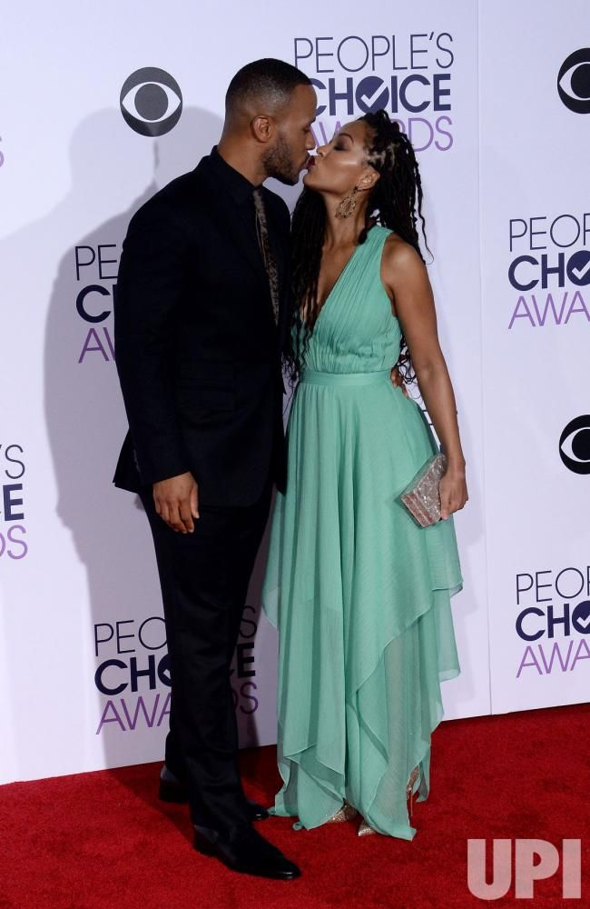 People's Choice Awards 2016, author DeVon Franklin, left and actress Meagon Good arrive for the 42nd Annual People's Choice Awards at the Microsoft Theater in Los Angeles on January 6, 2016. Photo by Jim Ruymen/UPI