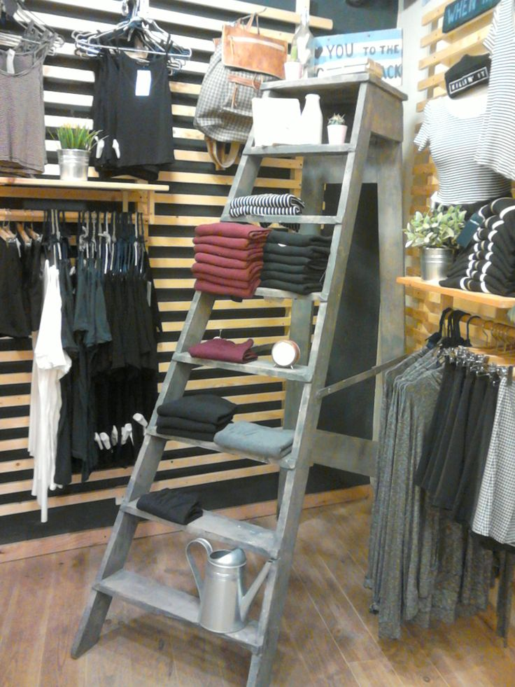 I like this way to display product. I found it in a store called Brandy Melville in Madrid.
