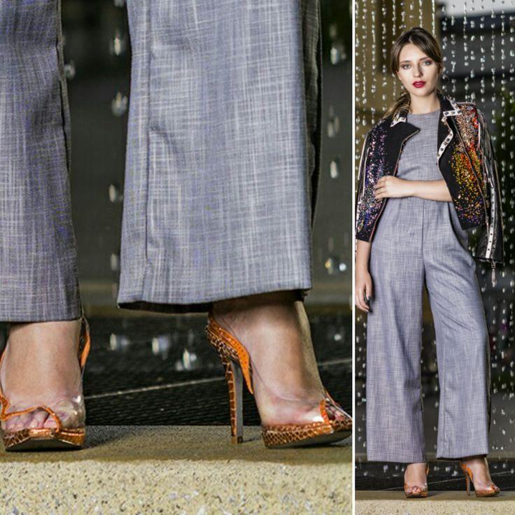 #Magrit La blogger internacional Kate Butko muestra admiración por la firma española de calzado Magrit.  http://swarovs.ki/cxGD Podréis ver el sensacional reportaje de Swarovski Magazine en el siguiente enlace http://www.crystals-from-swarovski.com/magazine/2016/issue-08/Photoshoot_Street_Style_Innsbruck.en.html?WT.ac=%27Magazine/Trend+Report/STREETWEAR+WITH+ATTITUDE%27 Y todos los detalles del shooting en Youtube con nuestro modelo SHEILA https://youtu.be/GrEXPSTWMKI