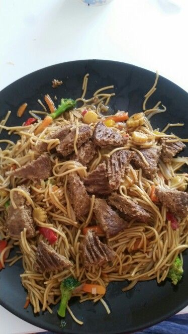 Naked noodles with quorn burgers and veg