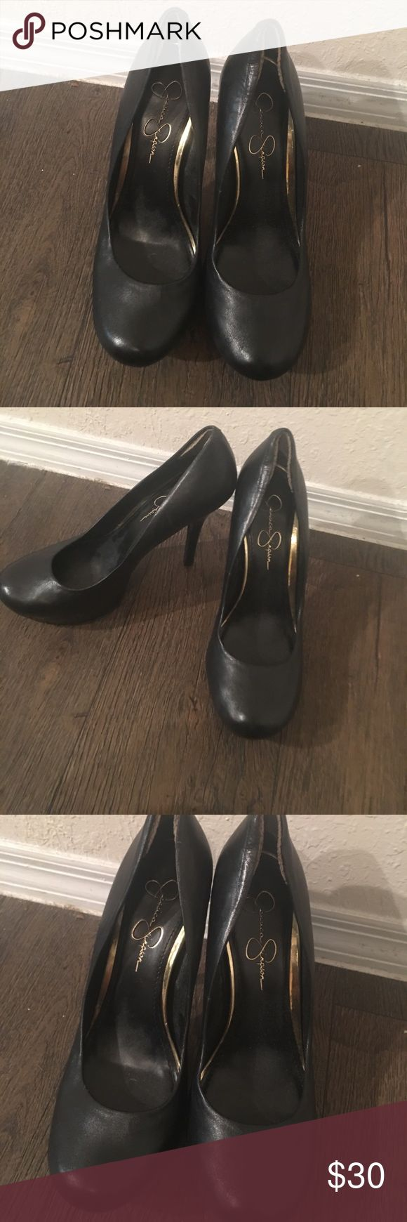 Jessica Simpson Heels Jessica Simpson heels in great condition. Size 8.5. Jessica Simpson Shoes Heels