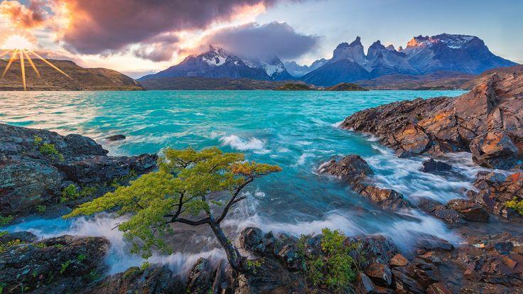 Скачать обои Cuernos del Paine, Patagonia, горы Пайне, горы, озеро Пеоэ, Чили, Горный массив Пайне, Lake Pehoe, Патагония, Chile, озеро, Torres del Paine National Park, Торрес-дель-Пайне, закат, раздел пейзажи в разрешении 1920x1080