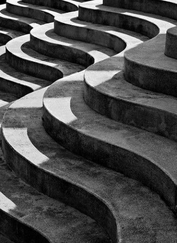 stairs in waves - Wave design in architecture