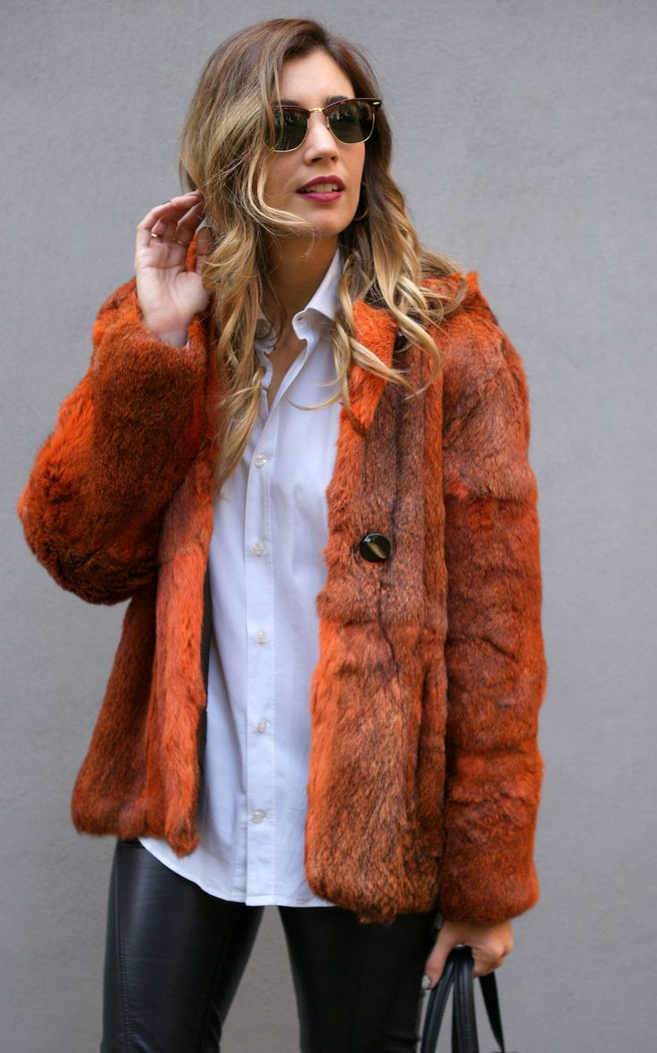 http://stylelovely.com/themidniteblues/2014/12/01/fur-is-back/ fur, coat, piel, abrigo, orange, kate moss, leather, pants, uterque, romwe, vintage, second hand, curls, hairdo, peinado, blonde, rubia, model fit, girl, healthy, body, fall, look, lookbook, street style, style, estilo, moda, ootd, outfit, fashion, blog, blogger, spain, barcelona, bologna, italy, wiw, trend, tendencia, mercedes maya