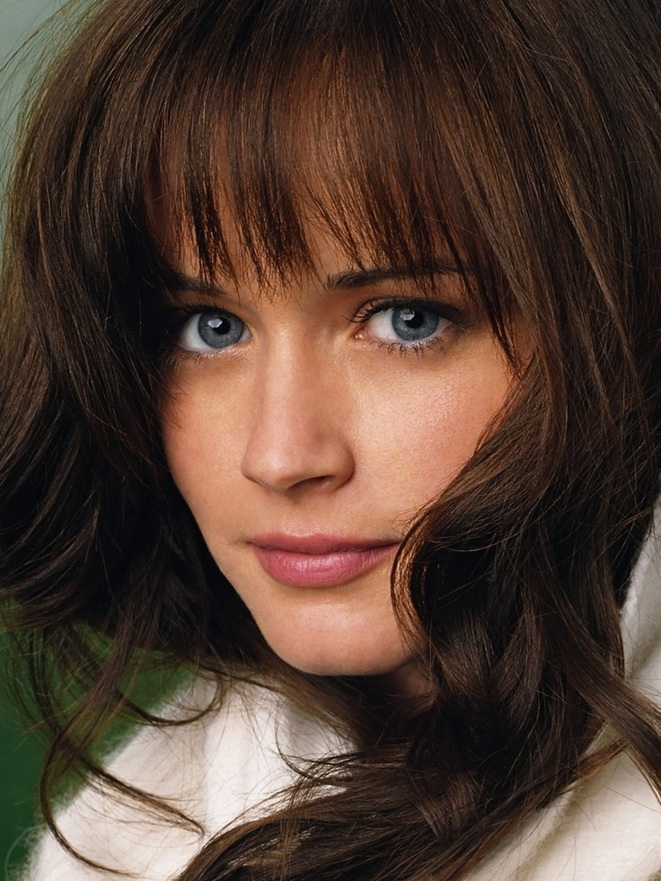 I imagine Evie close to Alexis Bledel