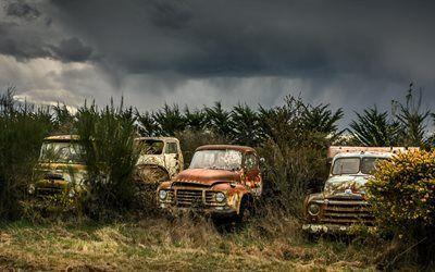 Scarica sfondi campo, erba, vecchie auto