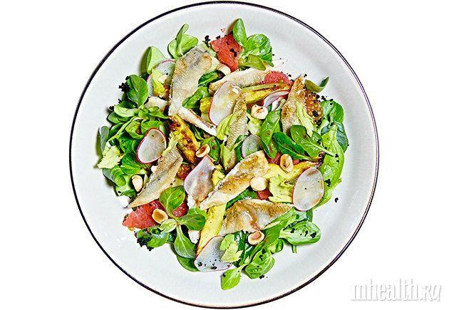 Салат с корюшкой и авокадо