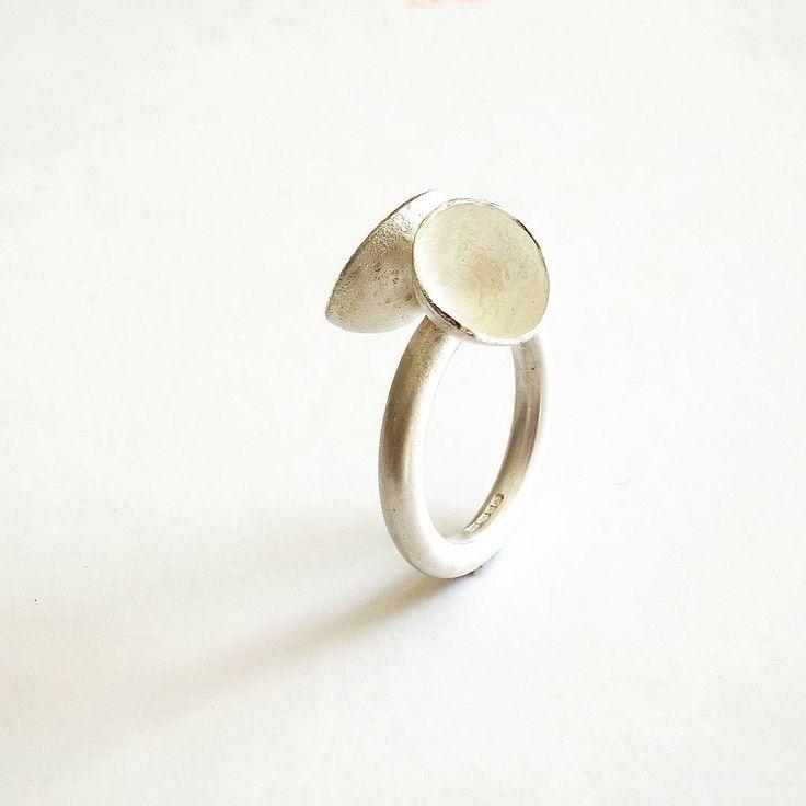 Reticulated Silver cup ring. Still my old time favourite. .... #makersgonnamake #handmadejewelry #crafts #slowlife #makersmovement #makers #postitfortheaesthetic #adorn #jewelry #design #minimalistjewelry #silver #simplicityfound #contemporaryjewellery #madeinfrance #bijouxfaitmain #repost #craftsposure #minimalist_world #jewelrydesigner #cerealmag #wabisabi #etsyshop #inspiredbynature #etsysuccess #cschristmasguide