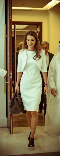 A l'occasion du 45e anniversaire de la reine Rania, ce lundi 31 août 2015, retour en photos sur l'incroyable beauté de l'épouse du roi Abdallah II de Jordanie. Une beauté sur laquelle le temps ne semble pas avoir de prise.