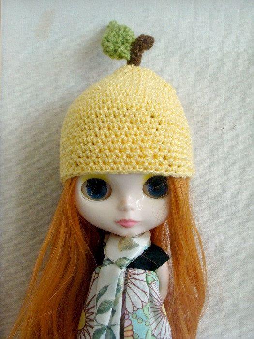 crocheted fruit hats for blythe dolls