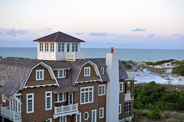 New england style beach house i like architecture for Beach cottage architecture