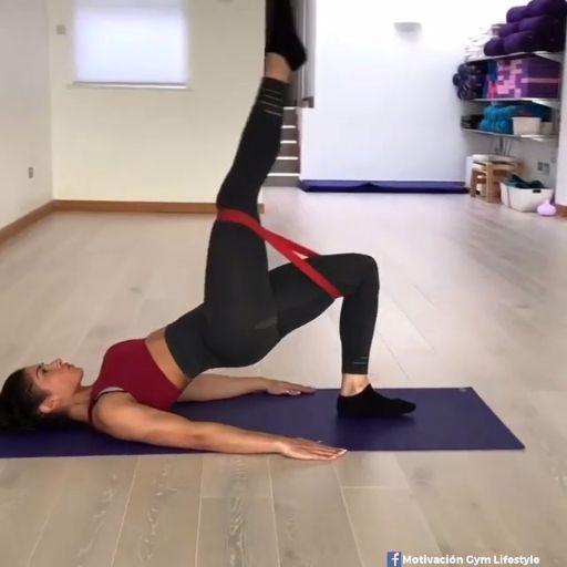 6 Exercices Elastiband : Un workout pour tout le corps.
