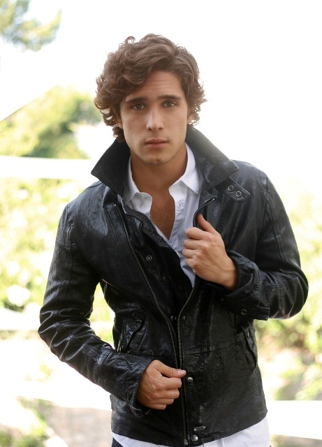 "Diego Boneta||""Hello ladies, I am Prince Finnley, but once you get to know me you can call me Finn. I am stubbon and witty like my sister, but not half as perceptive. Most would describe me as 'socially awkward' and I would definitely agree. I inherited my father's awkwardness and fun-loving nature and my mother's smarts and the tendency to speak out.  I can play the piano and I like to photography. I also //love// chocolate."