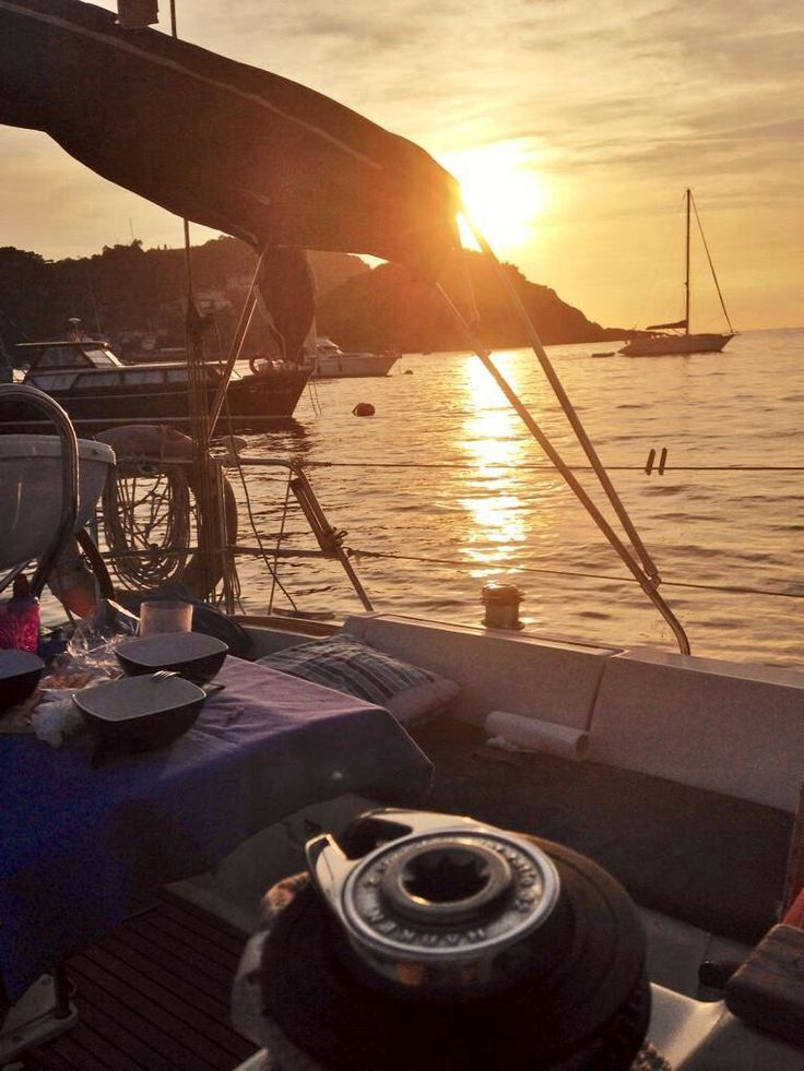 Sunset & Sailing