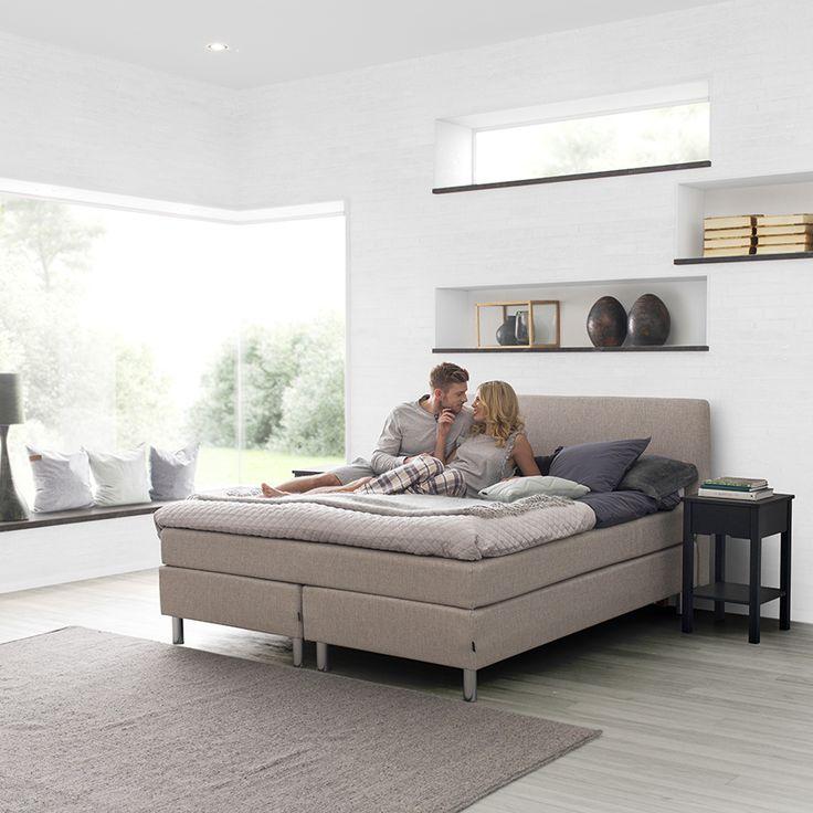 Jensen Nova Max Continental bed set.