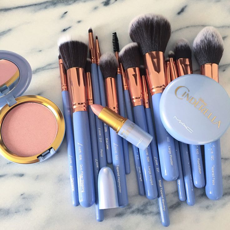 2. I bought this Mac collection. It was a collaboration with Disney that had Cinderella packaging on new makeup items and brushes. This purchase made me happy as it combines two loves: Disney princesses and Mac makeup. It was limited edition so I purchased it the day it was released to ensure I got it.
