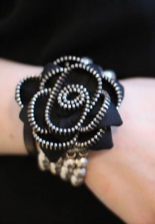 Vintage 90's zip flower punk grunge festival bracelet from Pretty Disturbia £4!