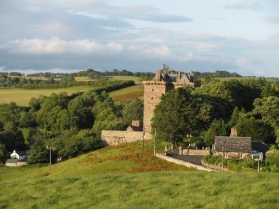 17 best images about palaces castles forts on pinterest for Stay in a haunted castle in scotland
