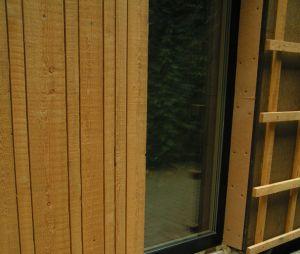 verticale gevelbekleding hout