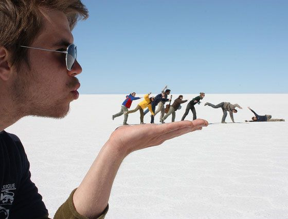 Forced Perspective Photography is a technique which uses optical illusions for appearing objects closer,larger,away/near than they actually are.So, enjoy the beautiful Forced Perspective Photography that will certainly take your breaths away
