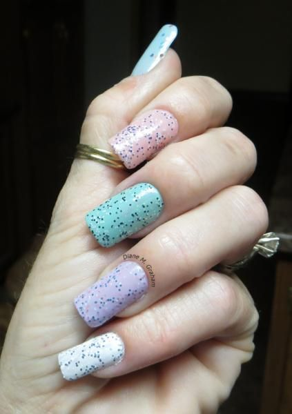 10 Hottest Summer Nail Trends: Textured Nails | Robin's Egg Pastel Glitter Nail Art | Diane Graham Nails | Nail It! Magazine |