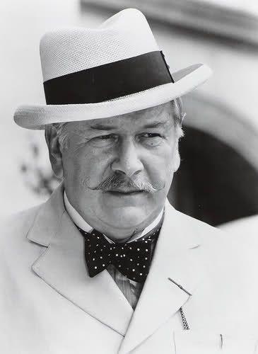 Peter Ustinov - Hercule Poirot