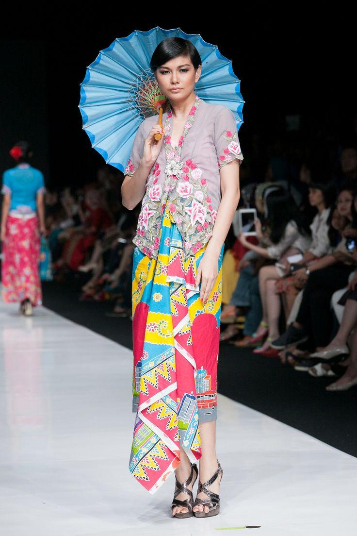 JFW 2014 – Sarinah, Modern in Heritage (Rumah Betawi)    The Actual Style