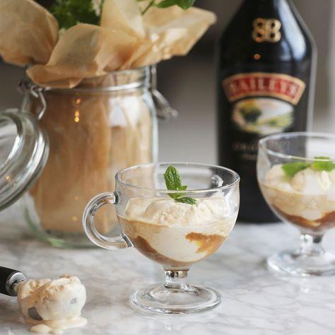 Recept: Baileys Affogato Ingredienser En dubbel espresso 1 kula Baileysglass (recept eller t ex Haägen-dazs) Baileysglass 0,5 dl Baileys Original Irish Cream 1 dl strösocker 3 ägg 3 dl vispgrädde 1 vaniljstång