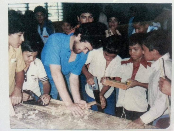 Tim Kaine teaching a carpentry class in Honduras 36 years ago - Democratic Underground